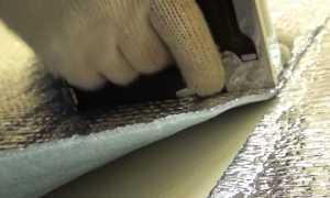 Чем приклеить изолон к пенопласту