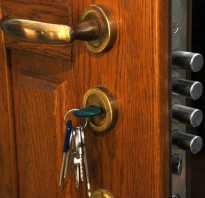 Как открыть заклинивший замок входной двери?