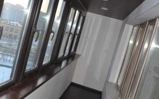Натяжной потолок на балконе зимой