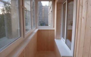 Стоимость обшивки балкона вагонкой