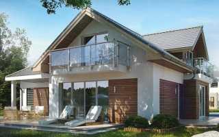 Проект дома с балконом над крыльцом