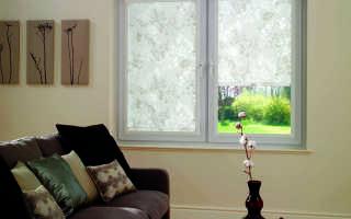 Рулонные шторы с направляющими на пластиковые окна