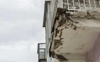 Козырек балкона последнего этажа чья собственность