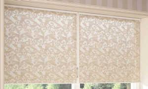 Как стирать рулонные шторы из ткани?